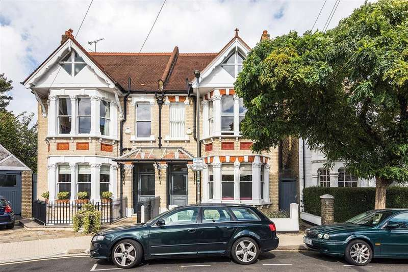 5 Bedrooms Semi Detached House for sale in Boundaries Road, SW12