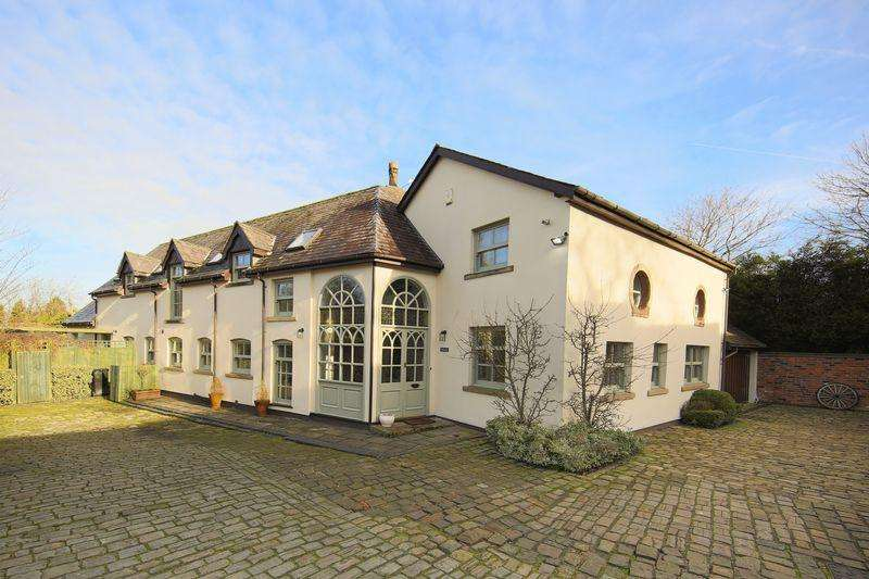 4 Bedrooms Detached House for sale in The Shires, Gorsey Lane, Altrincham, Cheshire