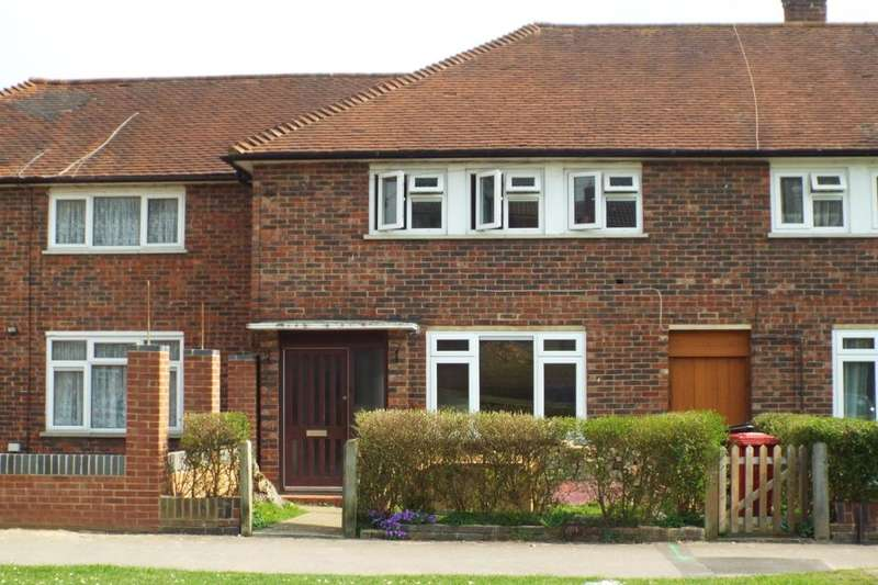 3 Bedrooms Property for sale in Paget Road, Langley, Slough, SL3