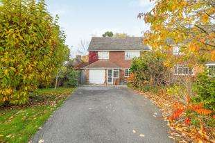 5 Bedrooms Detached House for sale in Delves Close, Ringmer, Lewes, East Sussex