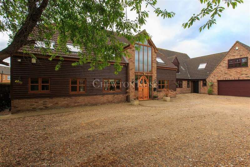 5 Bedrooms Detached House for sale in Blossom Barn, March