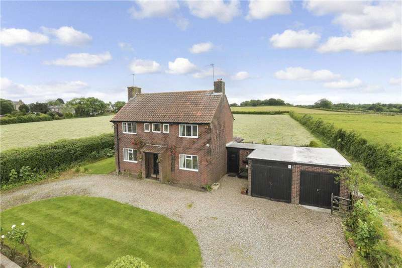 3 Bedrooms Detached House for sale in Bay Horse Lane, Shadwell, Leeds, West Yorkshire