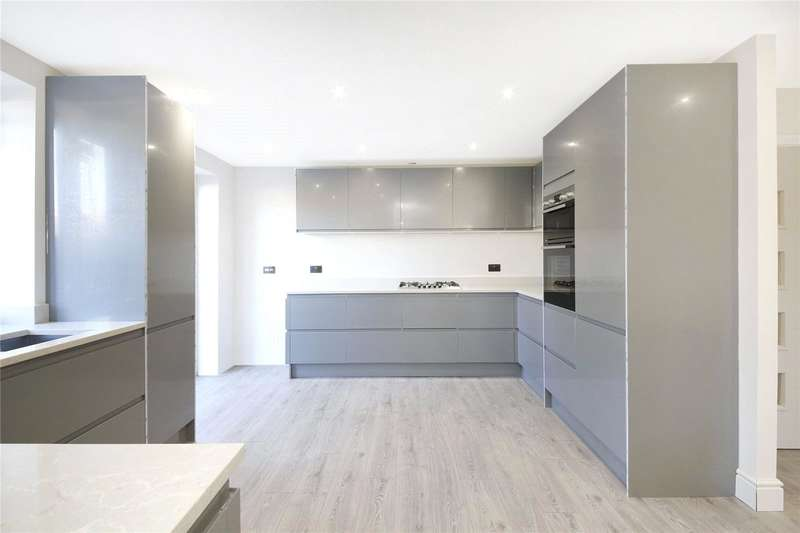 3 Bedrooms Apartment Flat for sale in The Glade, Shirley, Croydon