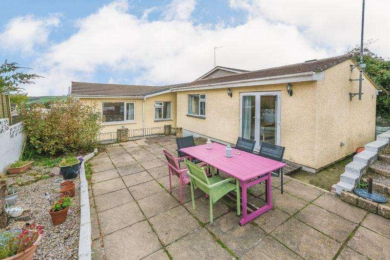 5 Bedrooms Detached Bungalow for sale in Tenderah Road, Helston