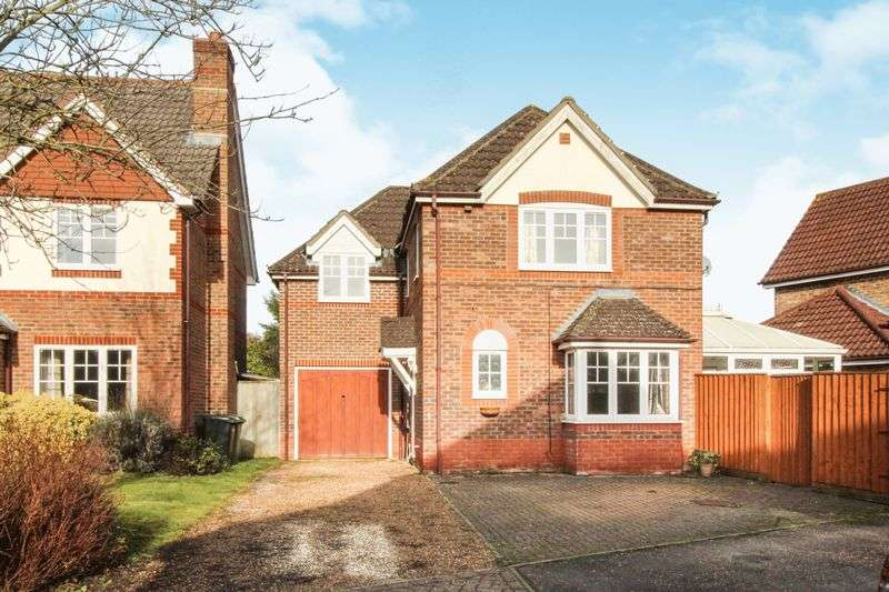 3 Bedrooms Property for sale in Mallard Way, Aldermaston, Reading, RG7