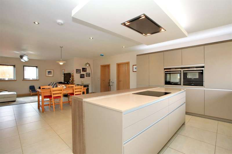 5 Bedrooms Semi Detached House for sale in Cotbank Of Barras, Stonehaven, Aberdeenshire, AB39