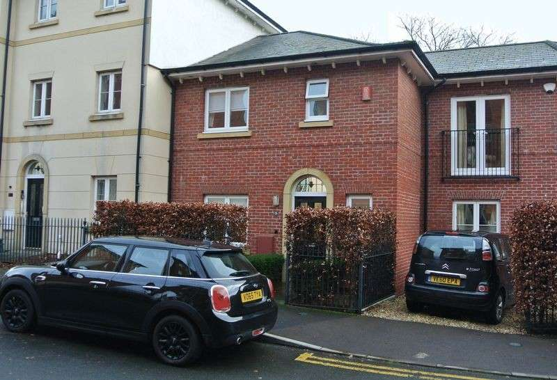 3 Bedrooms Terraced House for sale in Pillowell Drive, Gloucester
