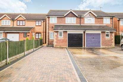 3 Bedrooms Semi Detached House for sale in Dagenham, Essex, .