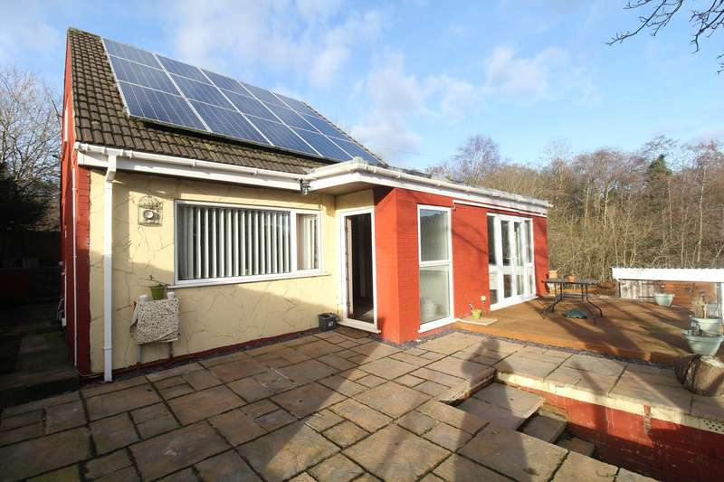 3 Bedrooms Detached Bungalow for sale in Heol Evan Wynne, Pontlottyn, Bargoed, CF81