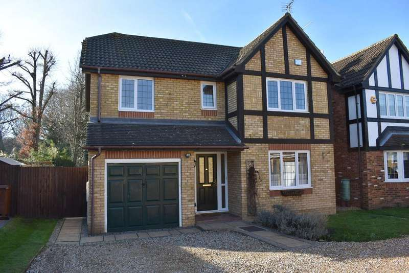 4 Bedrooms Detached House for sale in ALDRIDGE PARK, WINKFIELD ROW RG42