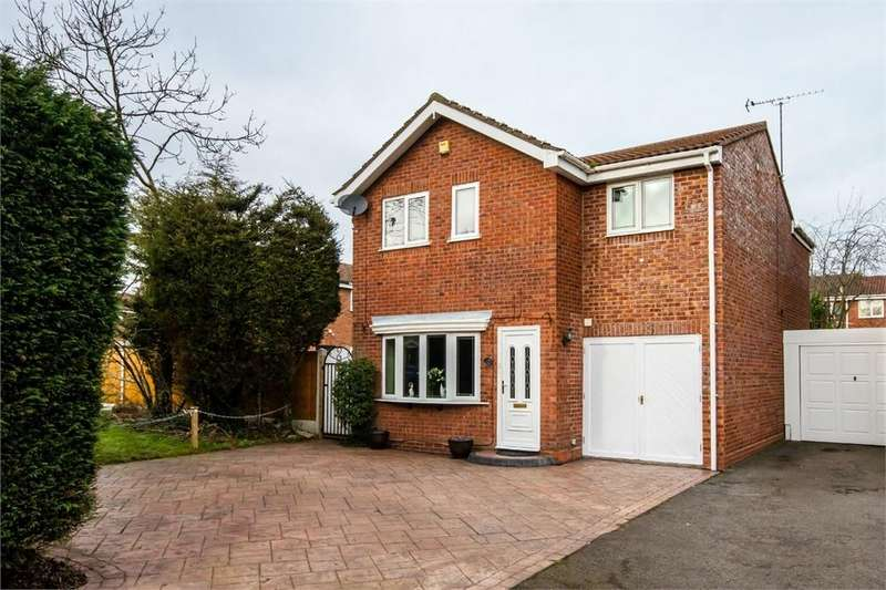 4 Bedrooms Detached House for sale in Grazewood Close, Coppice Farm, Willenhall, West Midlands