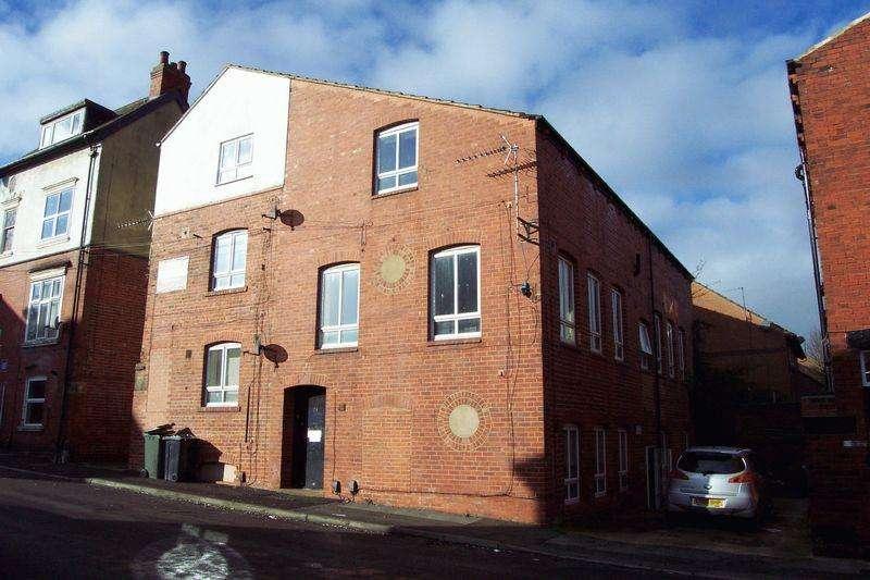 3 Bedrooms Apartment Flat for sale in Devon Road, Leeds