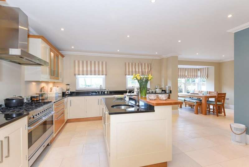 5 Bedrooms Detached House for sale in Shepherd's Green, Henley on Thames, RG9