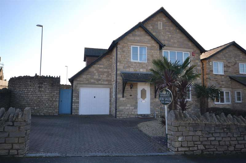 4 Bedrooms Detached House for sale in Miles Gardens, Weymouth