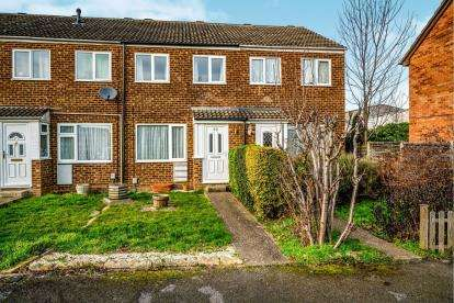 2 Bedrooms Terraced House for sale in Northdale Close, Kempston, Bedford, Bedfordshire