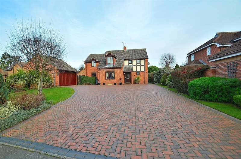 5 Bedrooms Detached House for sale in Paddocks View, Long Eaton