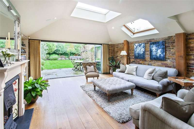 5 Bedrooms Terraced House for sale in Chestnut Grove, London, SW12