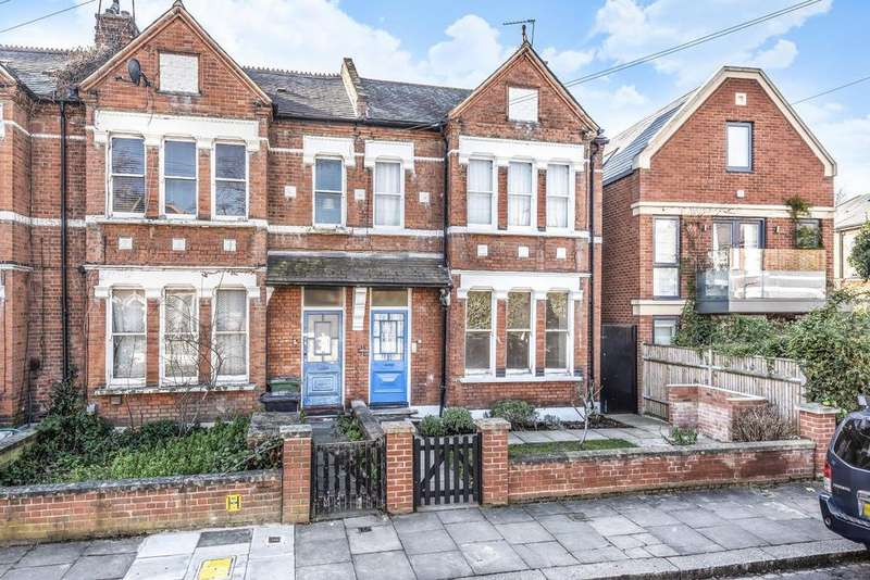 3 Bedrooms Flat for sale in Welby Street, Camberwell