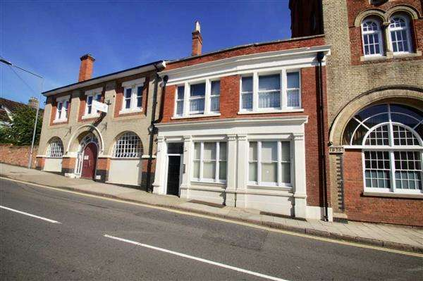 2 Bedrooms Apartment Flat for sale in Arch House, East Hill, Colchester