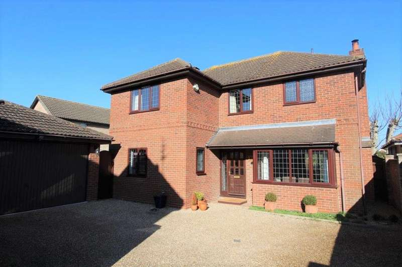 4 Bedrooms Detached House for sale in Centaury Close, Stanway, Colchester, CO3