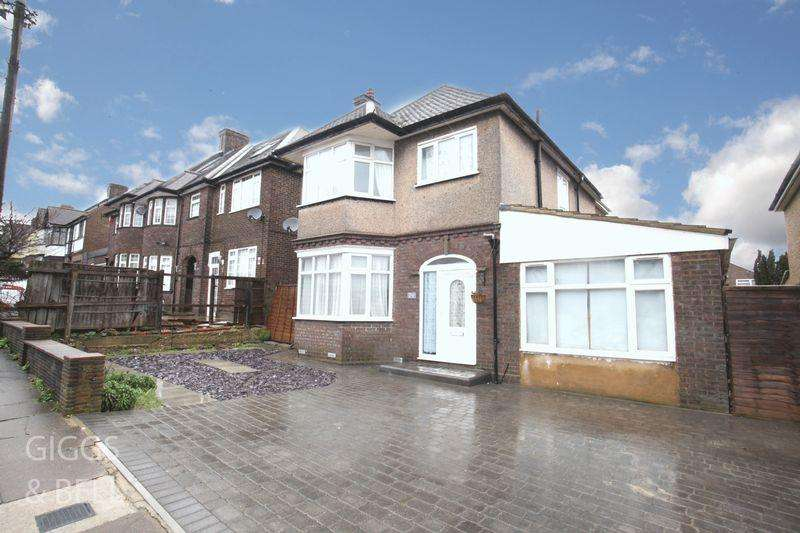 4 Bedrooms Detached House for sale in Montrose Avenue, Luton