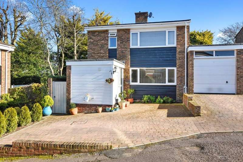3 Bedrooms Link Detached House for sale in Woodforde Close, ASHWELL, SG7