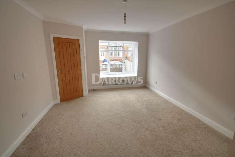 4 Bedrooms Semi Detached House for sale in Grove Estate, Pontypool