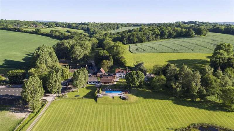 6 Bedrooms Farm House Character Property for sale in Cowden, Edenbridge, Sussex/Kent Border, TN8