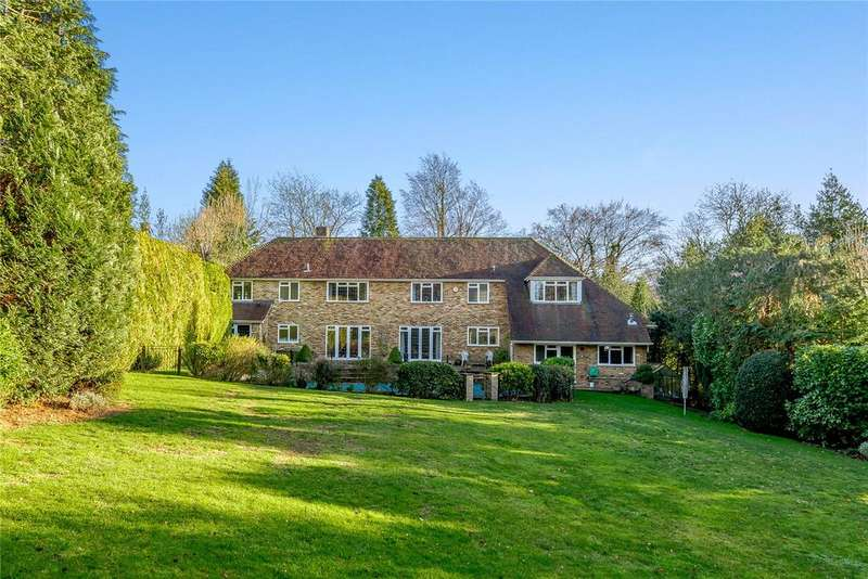 5 Bedrooms Detached House for sale in Troutstream Way, Loudwater, Rickmansworth, Hertfordshire, WD3