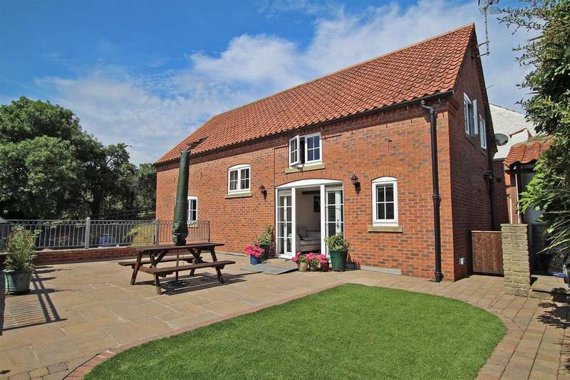 4 Bedrooms Detached House for sale in Green Lane, Lambley Village, Nottingham