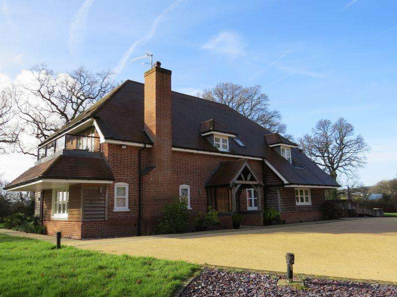 5 Bedrooms Detached House for sale in Meon Valley, Hampshire