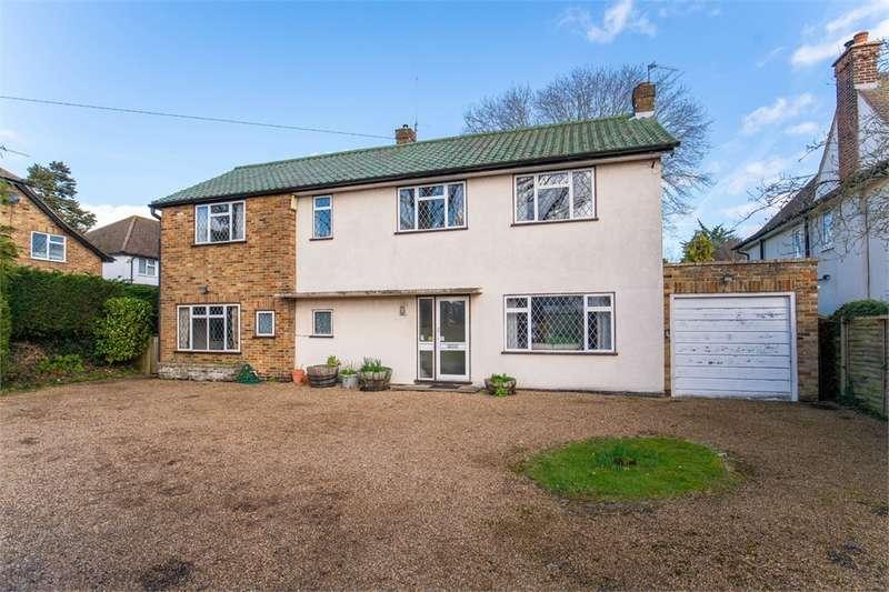 4 Bedrooms Detached House for sale in Denham Lane, Chalfont St Peter, Buckinghamshire