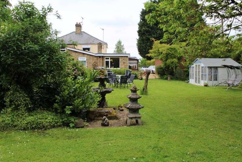 4 Bedrooms Semi Detached House for sale in Salts Road, Walton Highway, Wisbech, Cambridgeshire, PE14 7EB