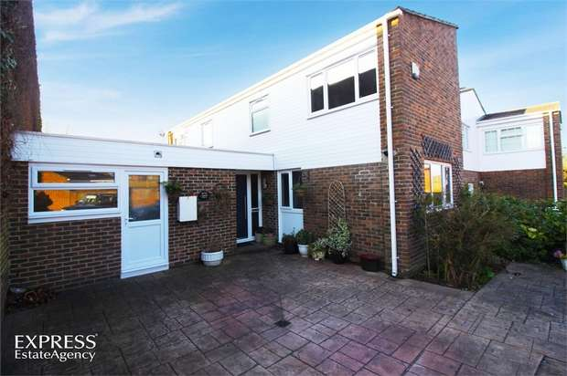 4 Bedrooms Link Detached House for sale in Sullington Hill, Crawley, West Sussex