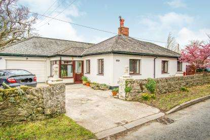 3 Bedrooms Detached House for sale in Llanfaes, Beaumaris, Sir Ynys Mon, LL58