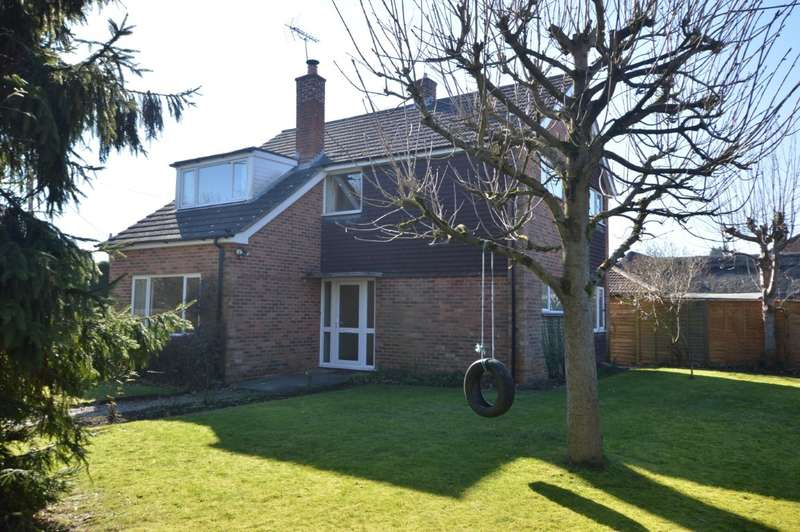 3 Bedrooms Detached House for sale in Auclum Lane, Burghfield Common, Reading, RG7