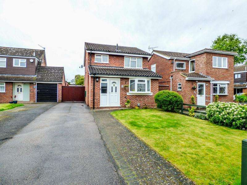 3 Bedrooms Detached House for sale in Kempston, Beds, MK42 8PE