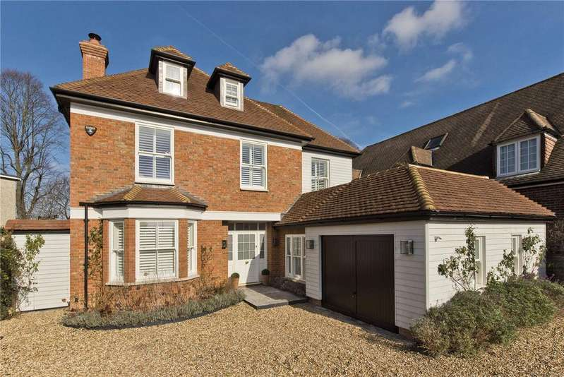 5 Bedrooms Detached House for sale in Vine Road, East Molesey, Surrey, KT8