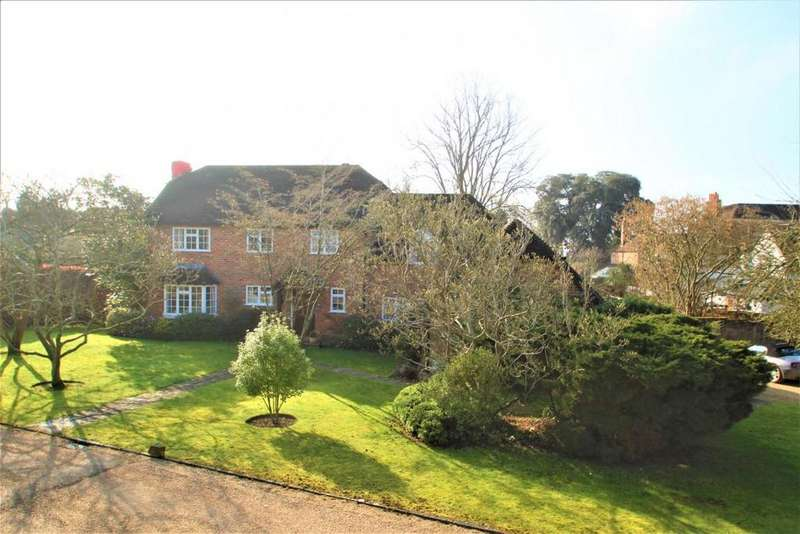 4 Bedrooms Detached House for sale in The Old Orchard, Calcot, RG31