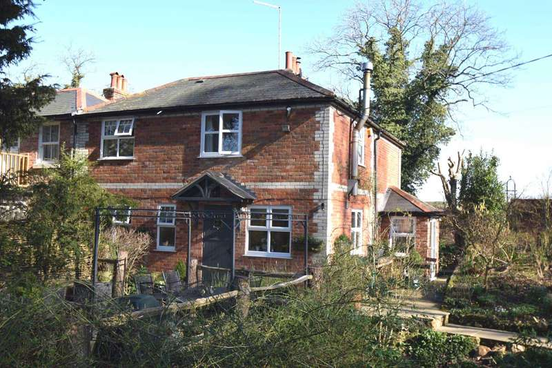 3 Bedrooms Semi Detached House for sale in Howe Hill, Watlington
