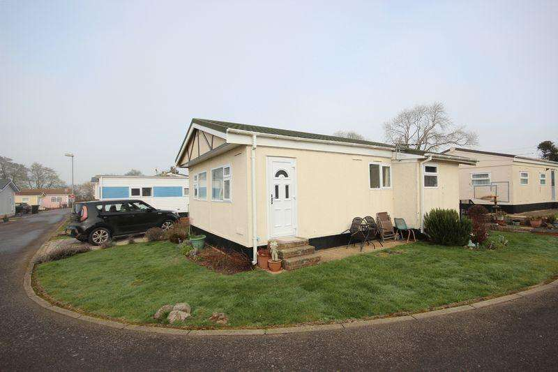 2 Bedrooms Mobile Home for sale in Manor Road, Luton