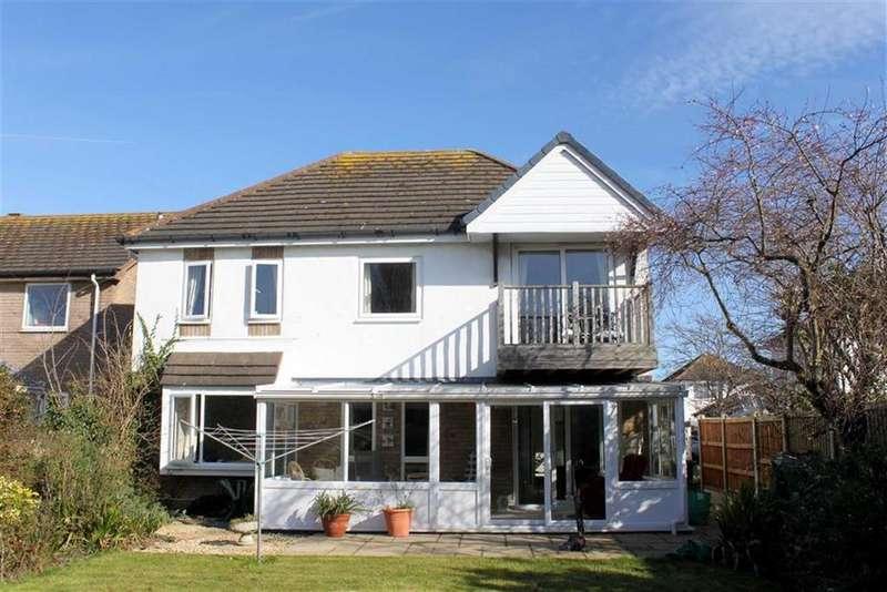 2 Bedrooms Apartment Flat for sale in Kingsway, Liddel Park, Llandudno, Conwy