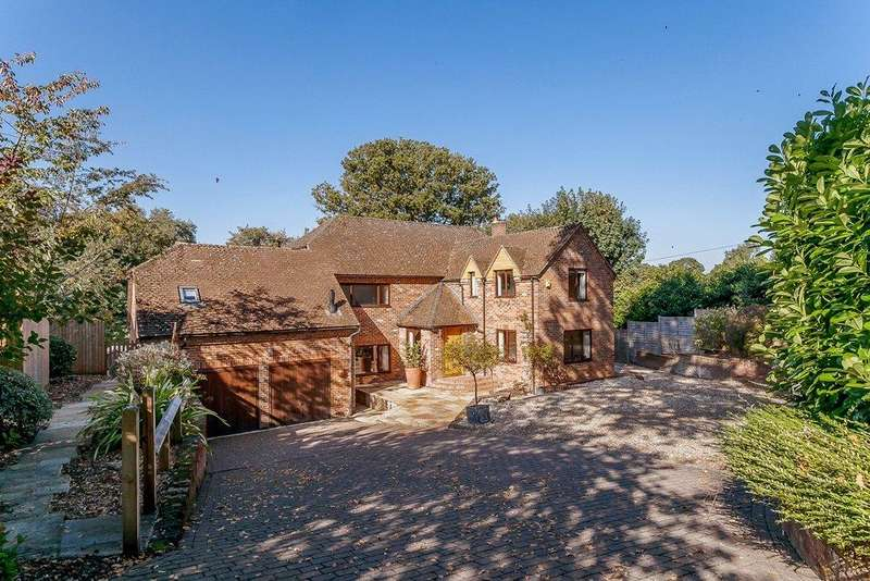 5 Bedrooms Detached House for sale in Woolton Hill, Newbury, Berkshire, RG20