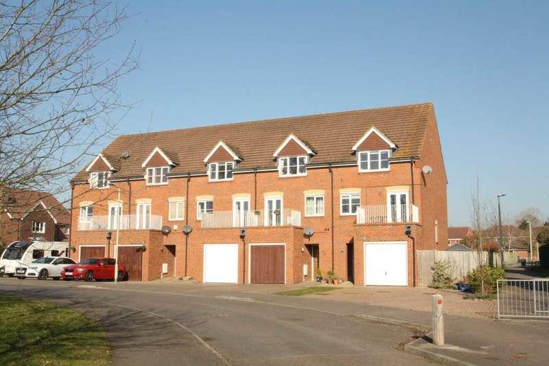 3 Bedrooms Town House for sale in Deardon Way, Shinfield