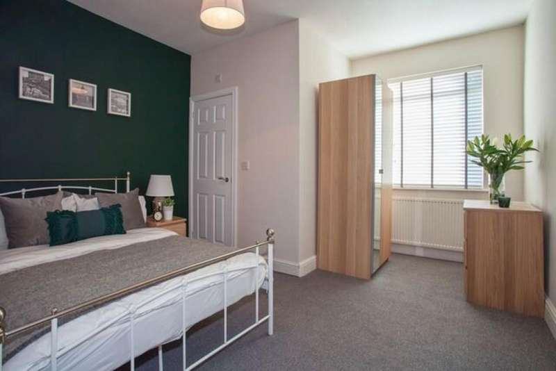 6 Bedrooms Terraced House for rent in Radford Boulevard, Lenton