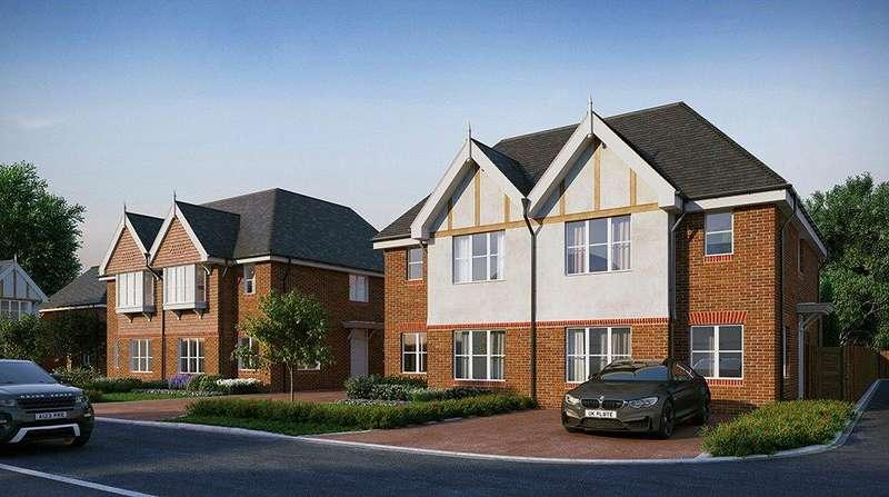 3 Bedrooms Semi Detached House for sale in Pavilion Park, Hurst Lane, East Molesey, Surrey, KT8