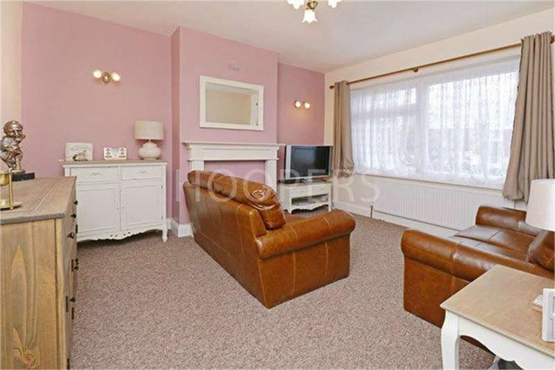 3 Bedrooms Terraced House for sale in Crest Road, London