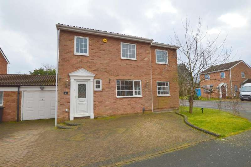 4 Bedrooms Detached House for sale in Melford Close, Wigmore, Luton, LU2 9SN