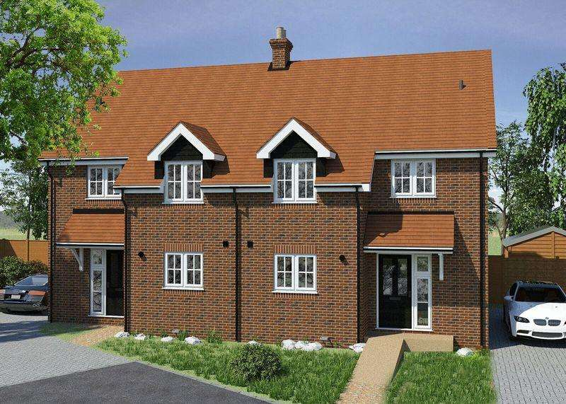 3 Bedrooms Semi Detached House for sale in Weston Road, lewknor