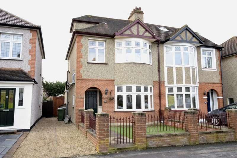 3 Bedrooms Semi Detached House for sale in Winifred Avenue, Hornchurch, RM12